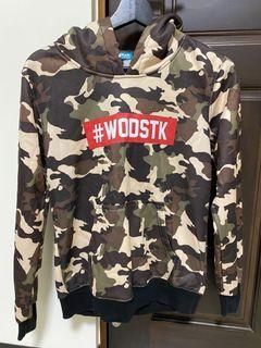 二手S號WODSTK迷彩帽T