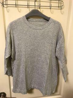 UNIQLO 7分袖 素面 灰色