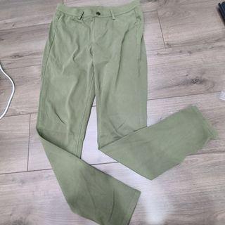 UNIQLO 綠色長褲