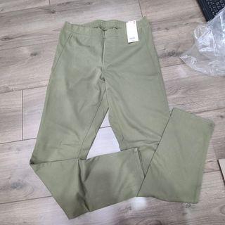 UNIQLO 綠色長褲 全新