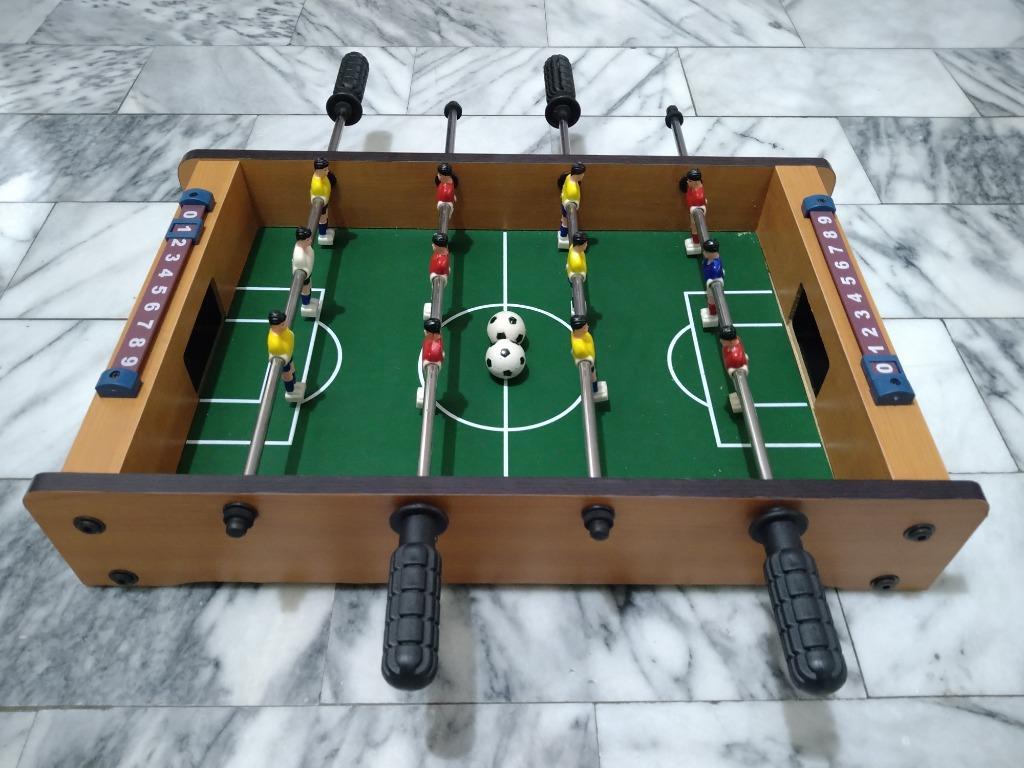桌上足球台