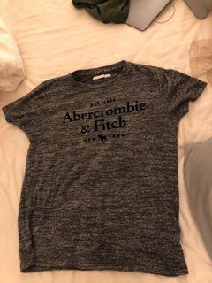 Abercrombie灰色上衣