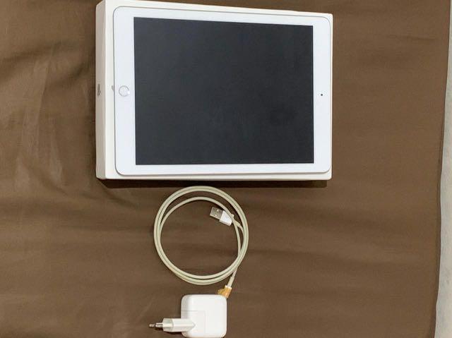 iPad 6th gen 2018 128gb