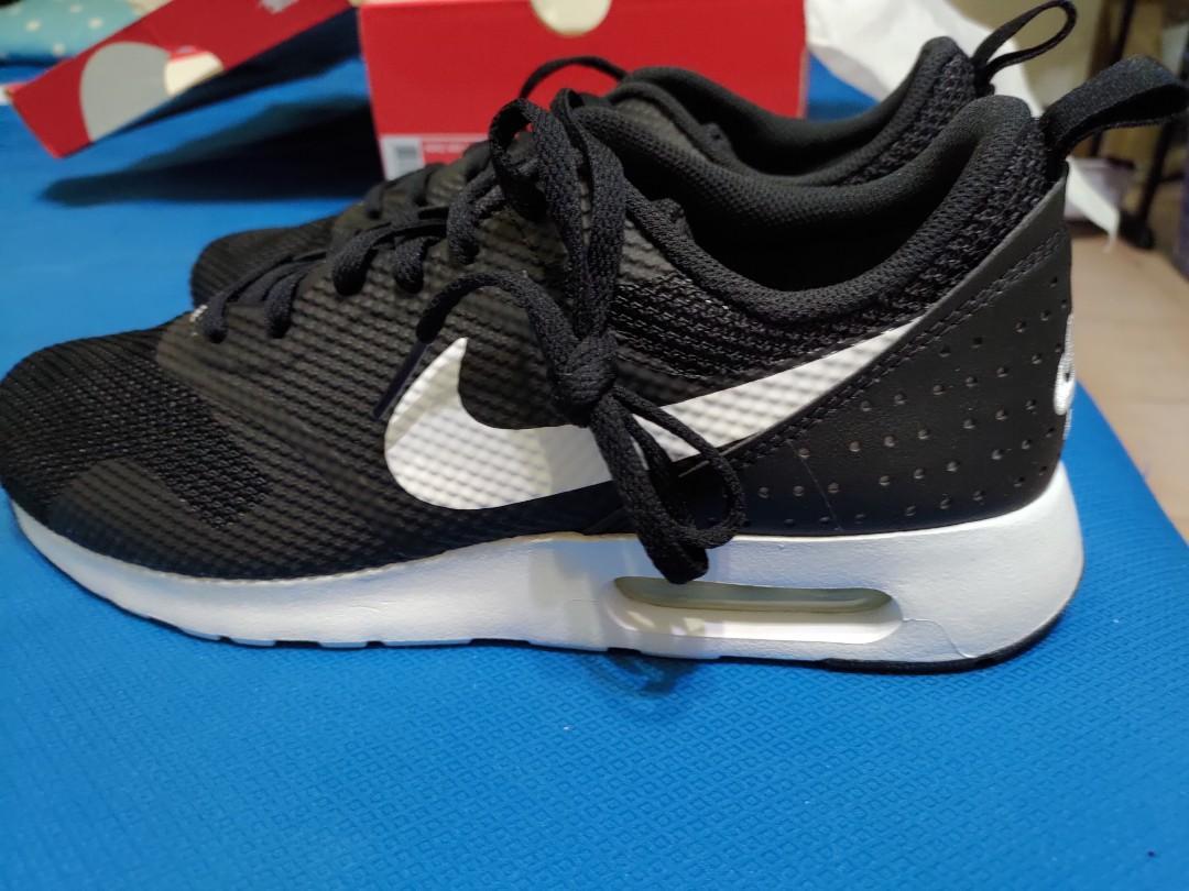 Nike。adidas 全新鞋款 型號在鞋盒