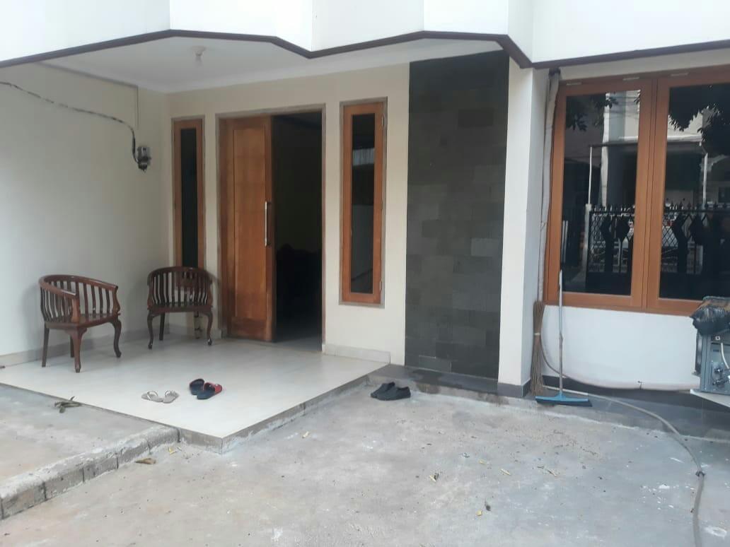 Rumah baru renovasi siap huni murah di Pondok kelapa jakarta timur