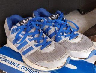 Sepatu Adidas duramo 6