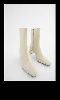 Tag** Zara Cream/ Off white leather boots size 6.5