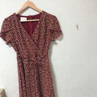 紅色碎花洋裝