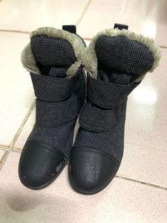 韓國製 內絨毛布靴魔鬼氈 二手鞋