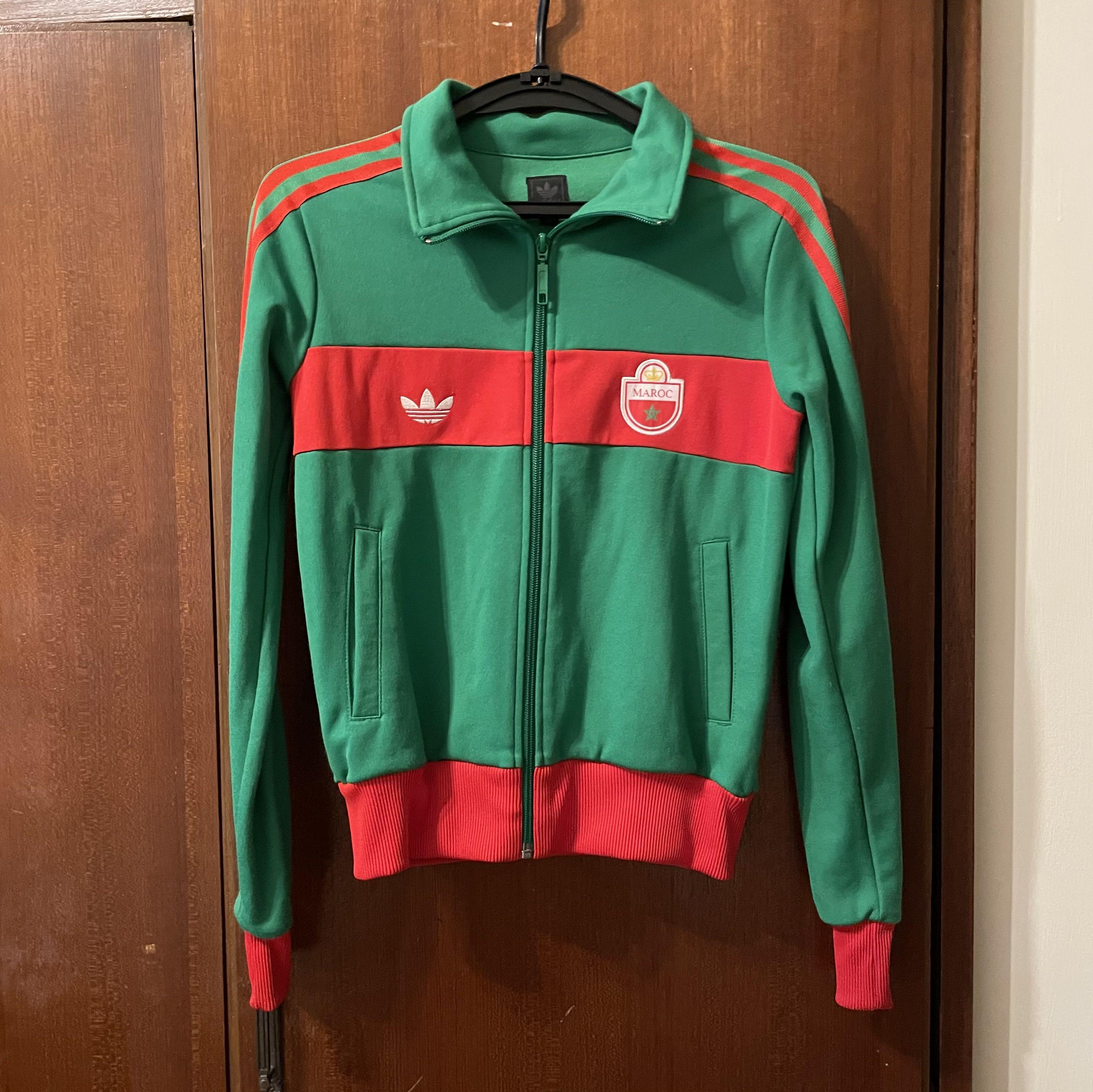Adidas 古著運動外套。 紅 撞 綠。復古。街頭。Gucci 復古運動風。潮牌。
