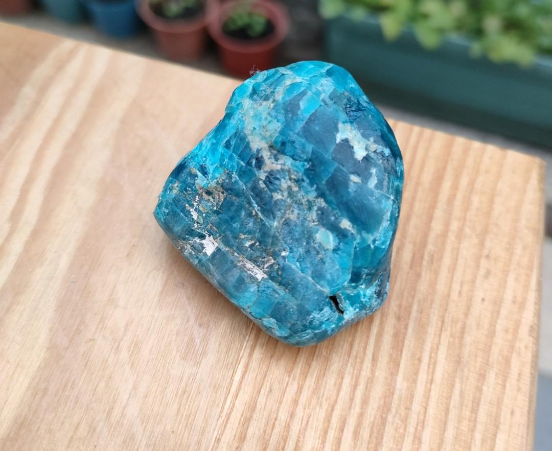 老珍藏天然原礦原石~天然蘇聯天空藍玻璃質地藍寶石原礦~商品不粗糙~無沾水拍攝~賣場特賣出清