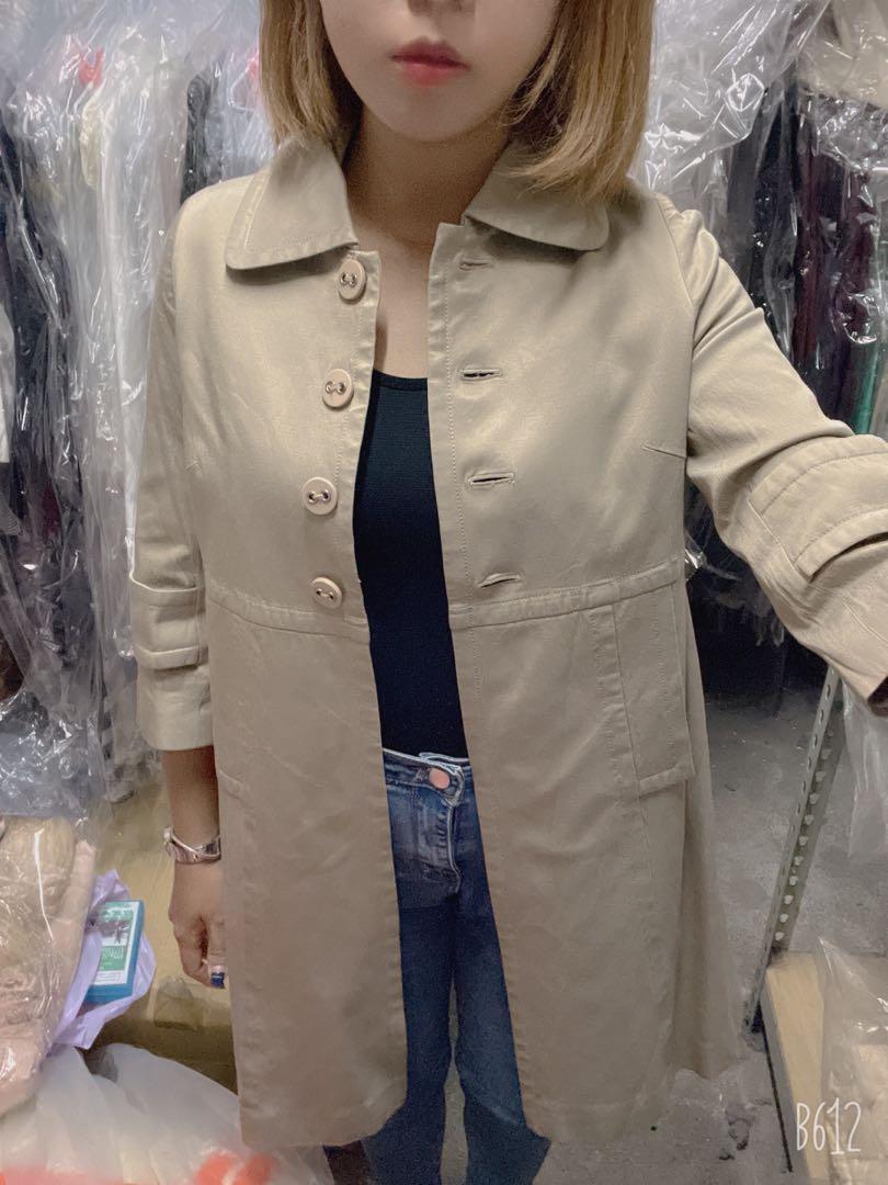 「 近新 」專櫃七分袖中長版外套