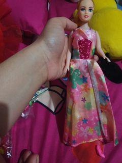 Boneka barbie gaun merah anggun bagus dan murah