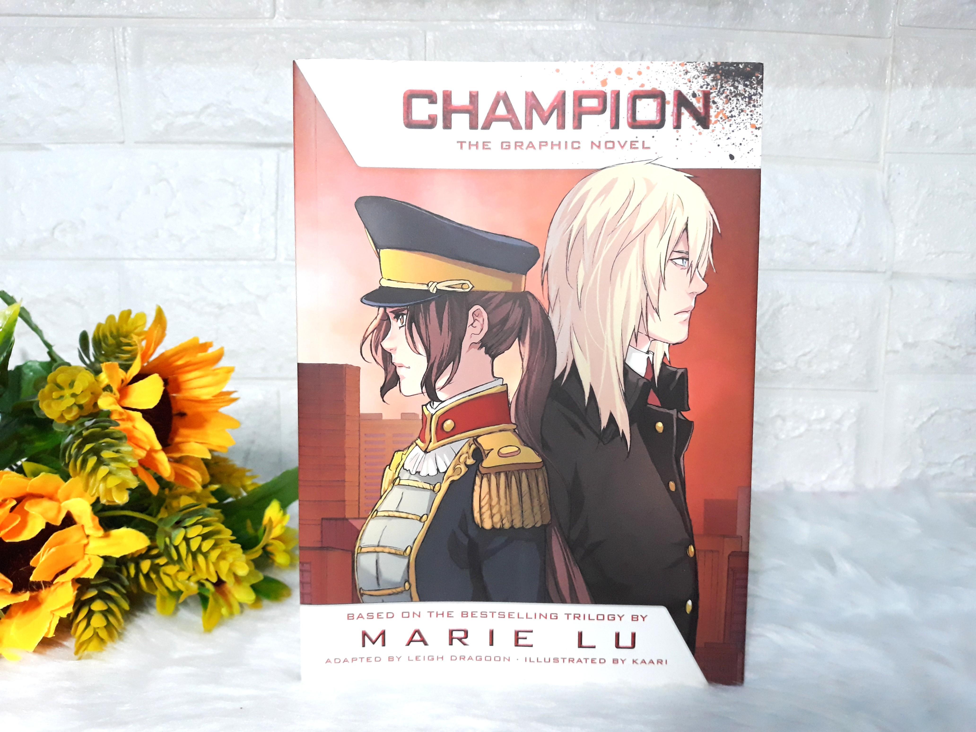 [PAPERBACK] Champion Graphic Novel