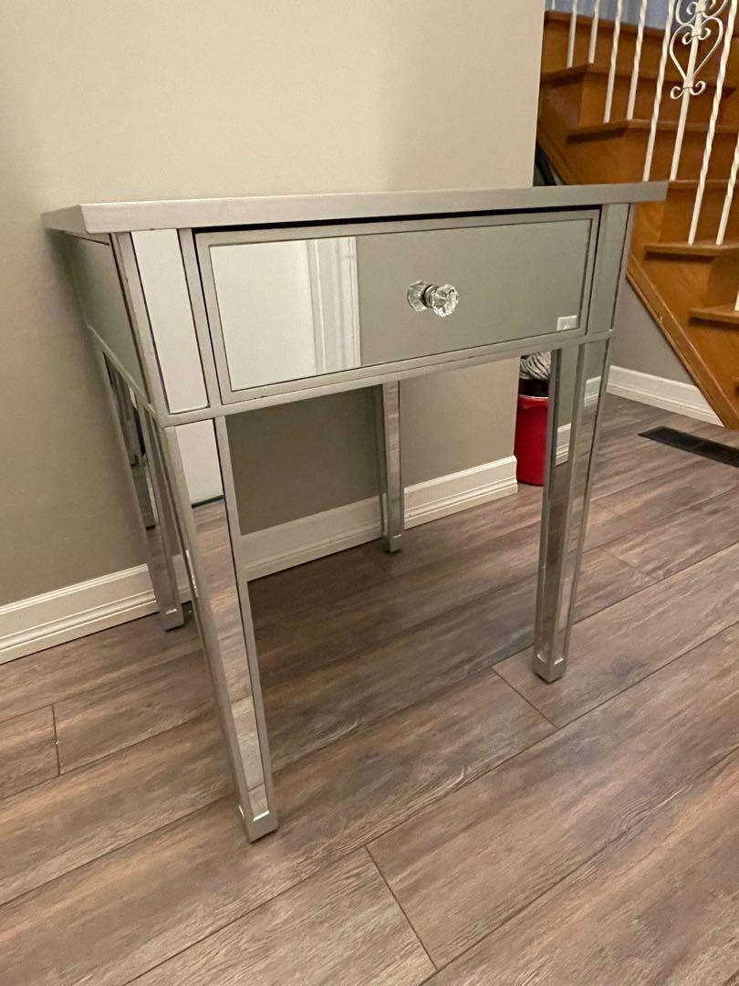 Gorgeous Mirrored End Table