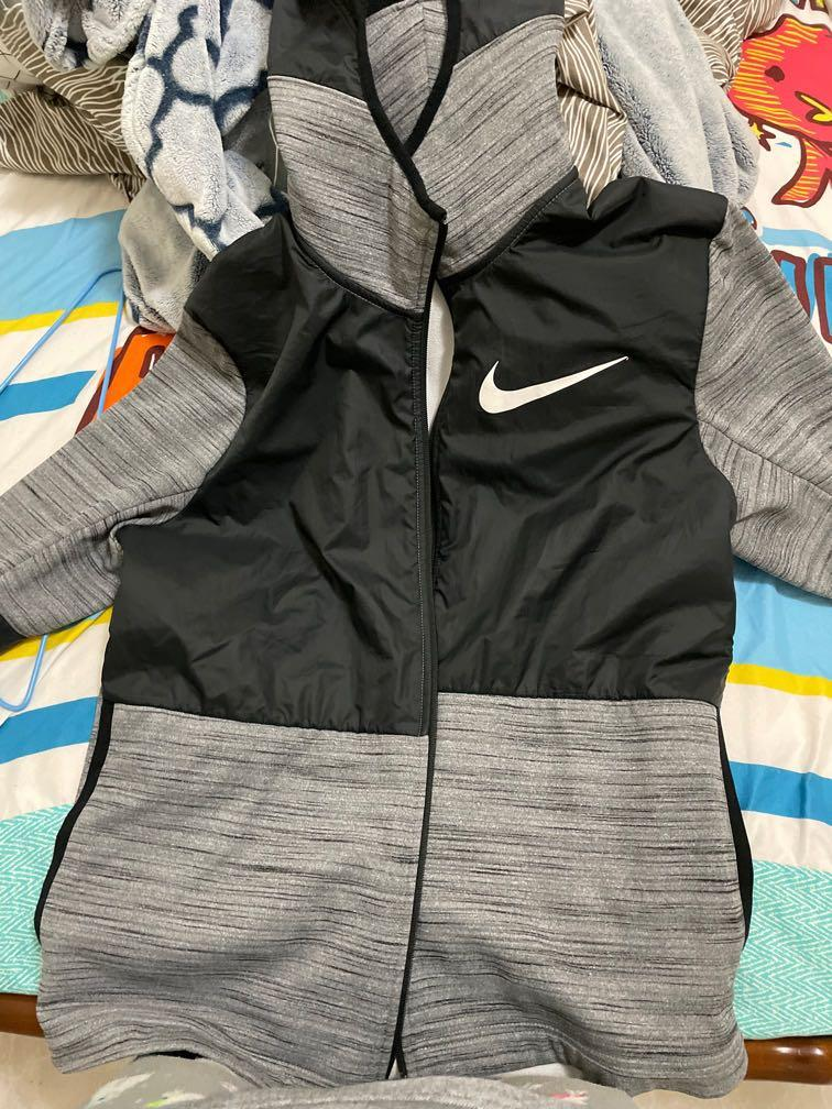 Nike刷毛外套拼色
