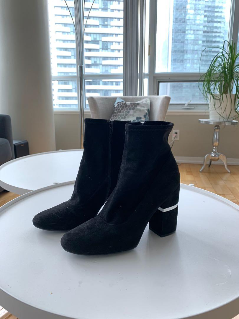 Size 11 Marc fisher black suede ankle boots