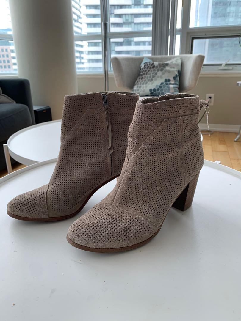 Size 11 Toms beige ankle boots