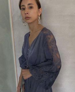 高單價品牌!日本代官山設計品牌 Ameri vintage 極美藍紫色蕾絲精品洋裝(搶手限量款)Snidel