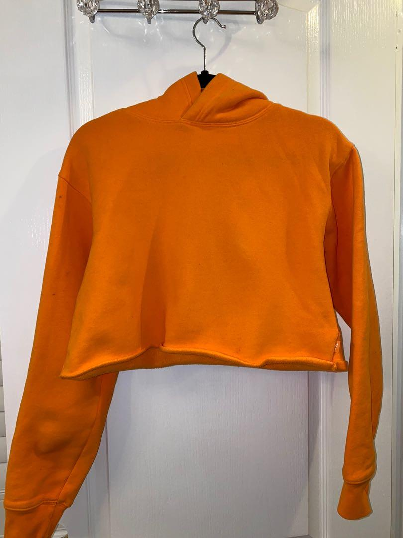 Aritzia cropped hoodie size small
