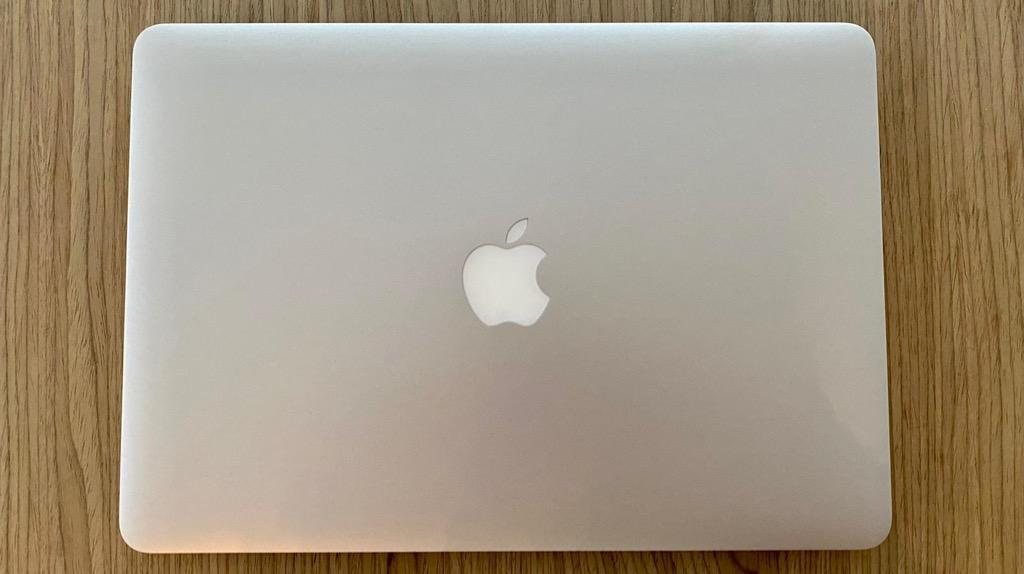 FOR SALE: MacBook Air 2015