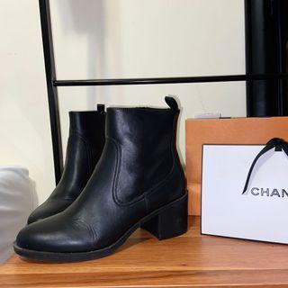 H&M Chelsea Boots size 9 Women's