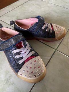 Sepatu & Mukena anak