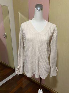 韓版米白色針織特別袖上衣(袖子可調整)