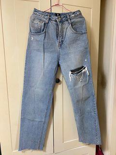 真的沒有人要買嗎這個超好看正韓 牛仔刷破寬褲