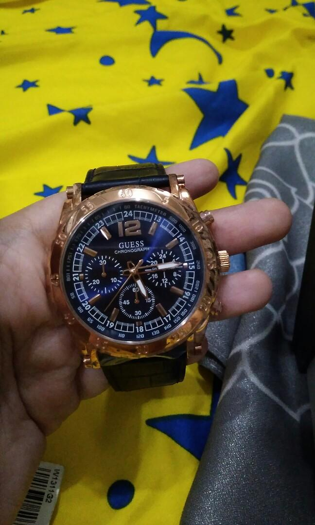 Guess jam tangan