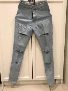 HIGH WAISTED RIPPED BLUE JEANS