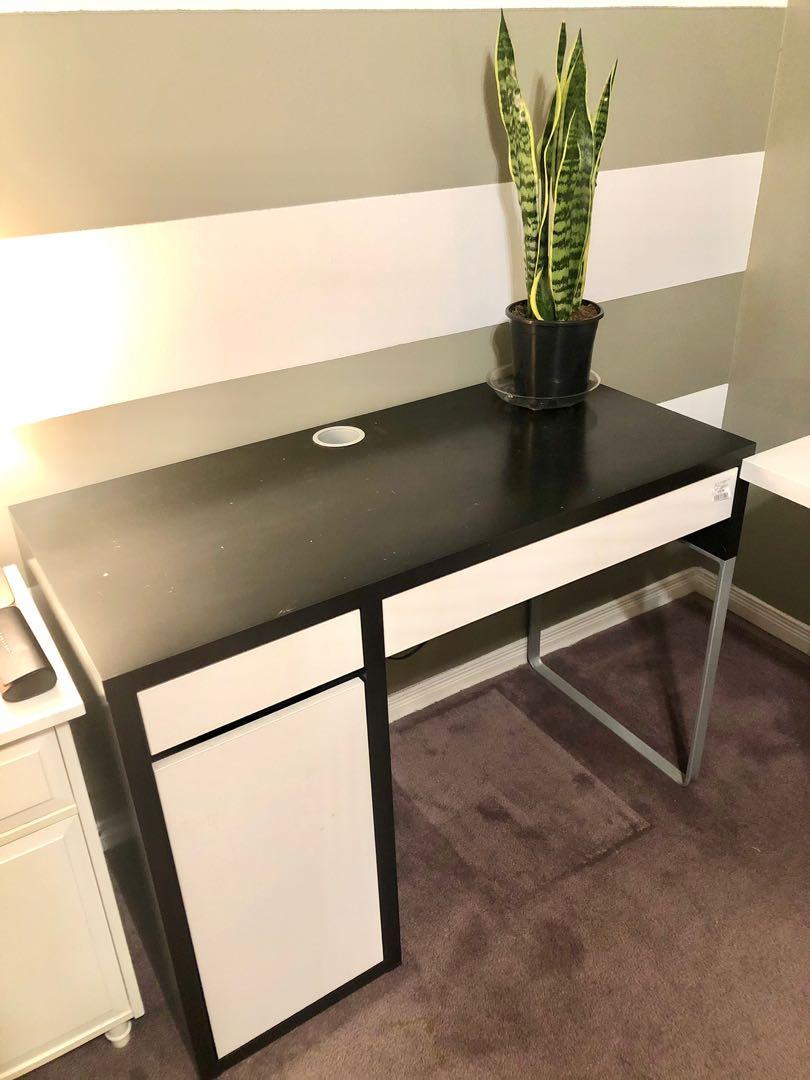 Ikea Micke Black and White Desk