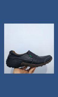 Sepatu Kerja atau Lifestyle