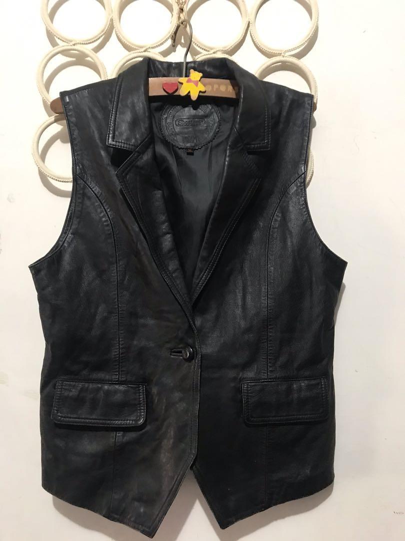 義大利羊皮背心,SizeM,胸50長63公分原價29800