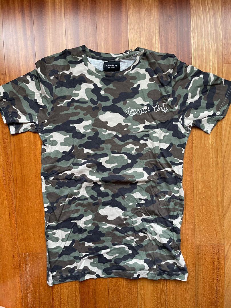 Stradivarius army tshirt size S