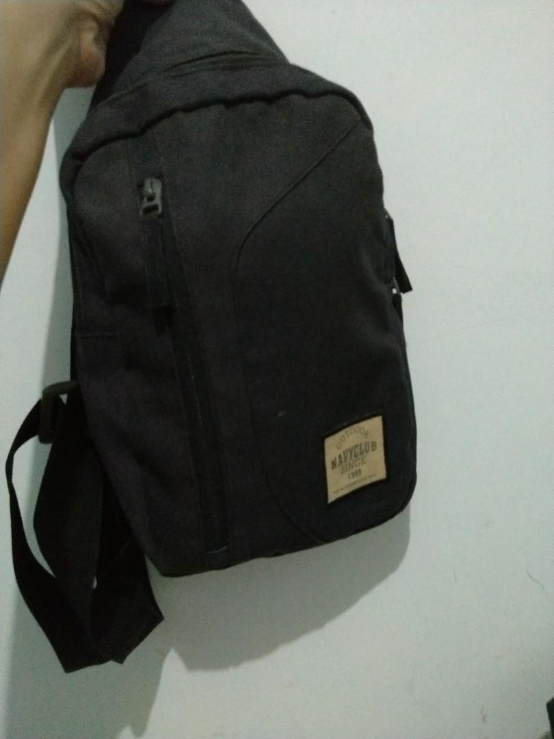 Tas Selempang navy club'