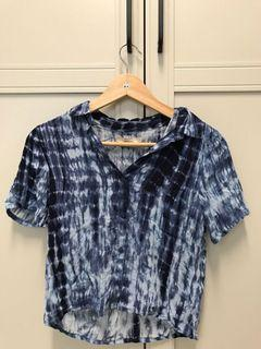 藍色渲染紮染短版襯衫