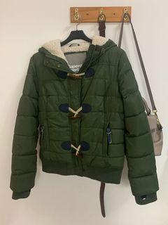 極度乾燥軍綠色外套