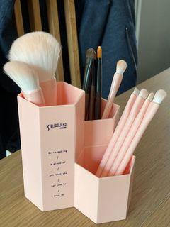 化妝掃 連 粉紅六角插座