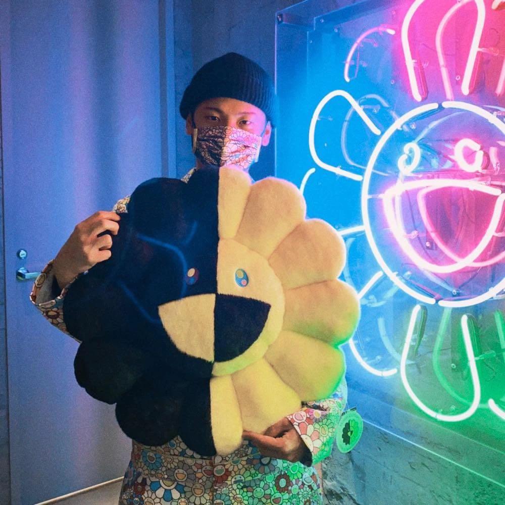 《預購》【 ZOO TOYS  玩具店 】 Tonari no Zingaro TM ×  HIKARU Collaboration Flower Cushion ボア 村上隆 絨毛小花抱枕