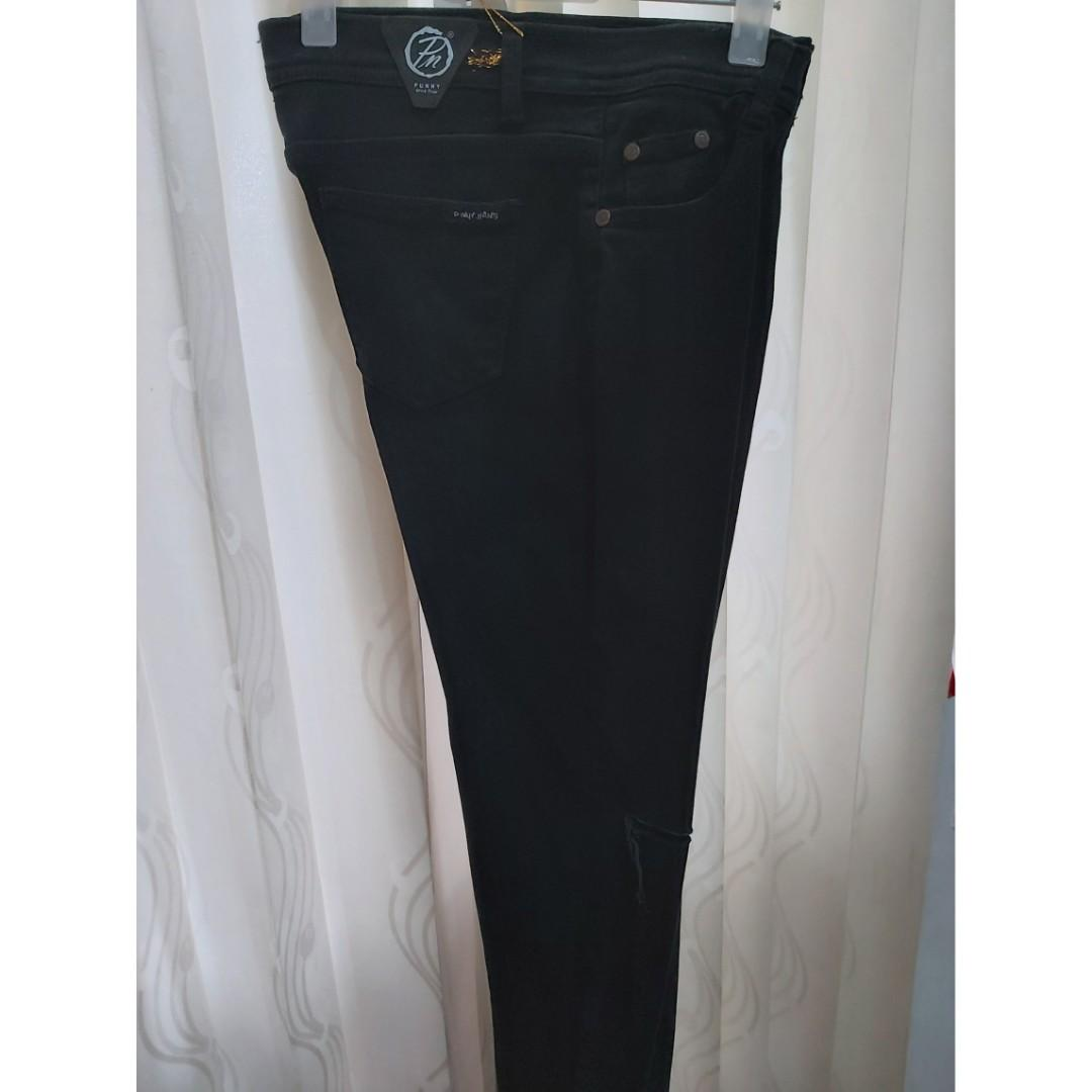 Celana Jeans Hitam Robek