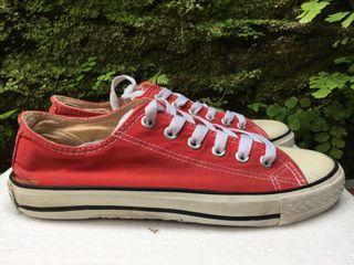 Sepatu Converse Chuck Taylor All Star Low Red