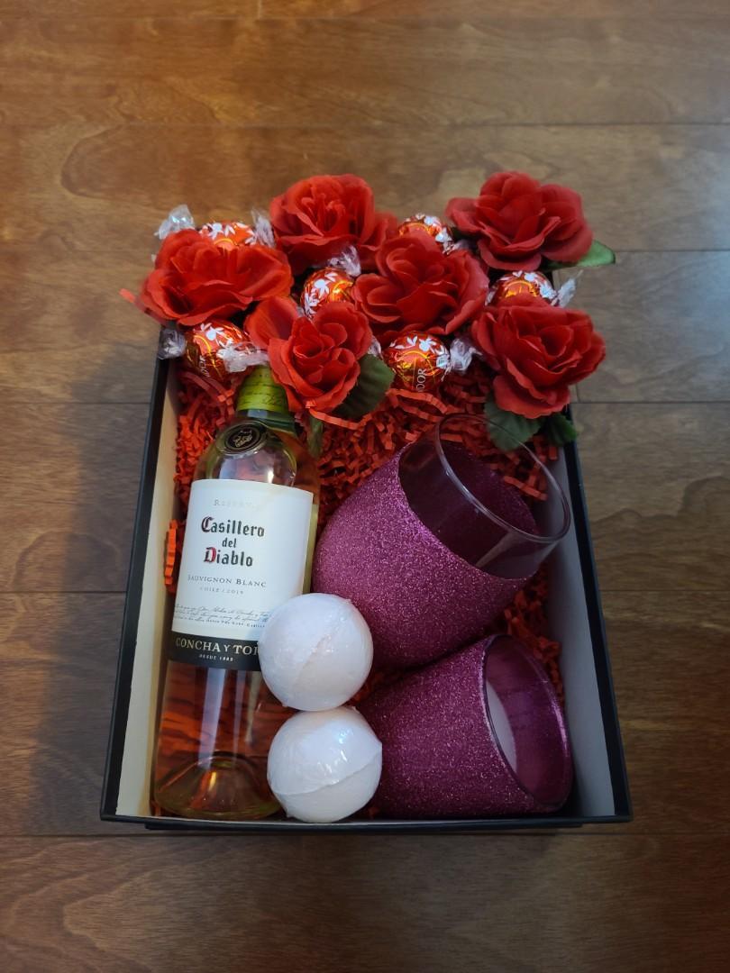 Customizable gift baskets