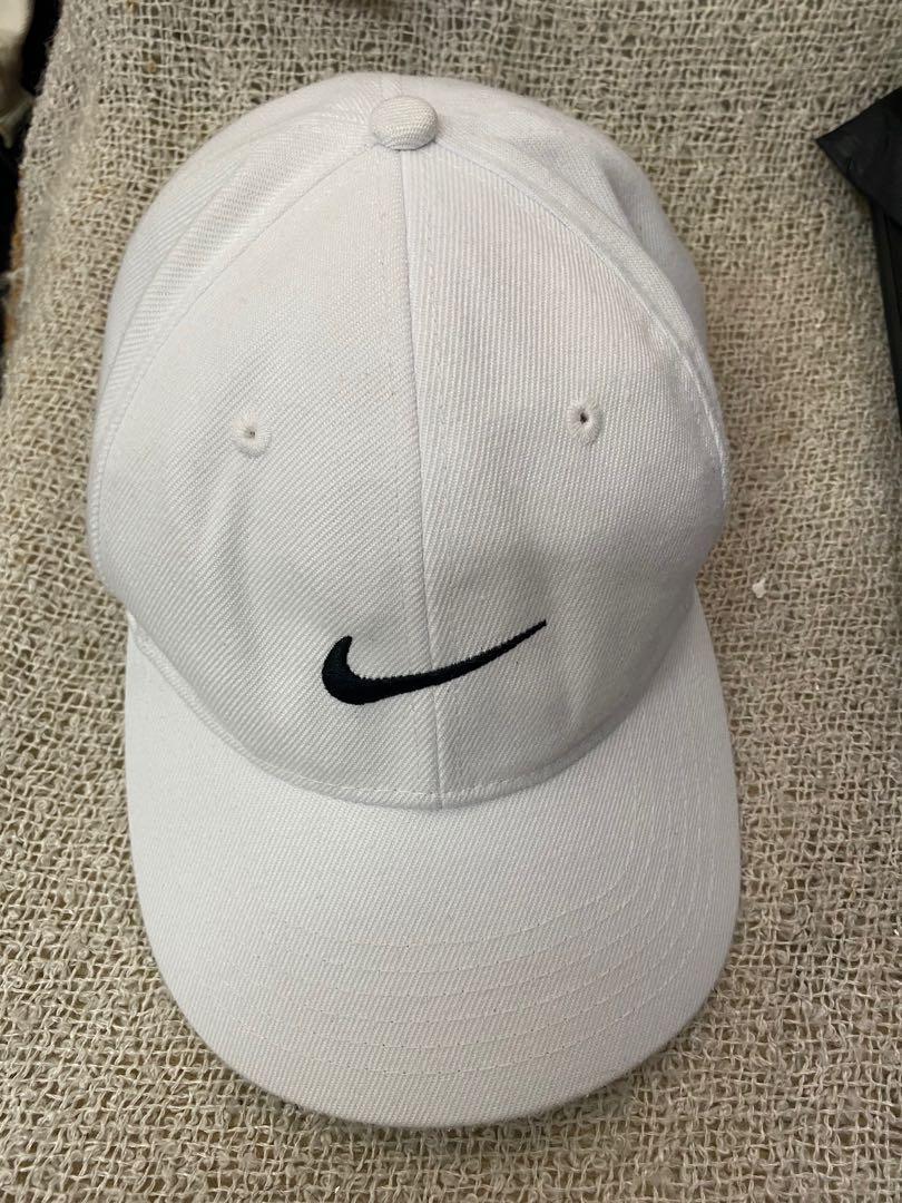 Nike 白色老帽