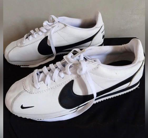 Nike cortez size 44
