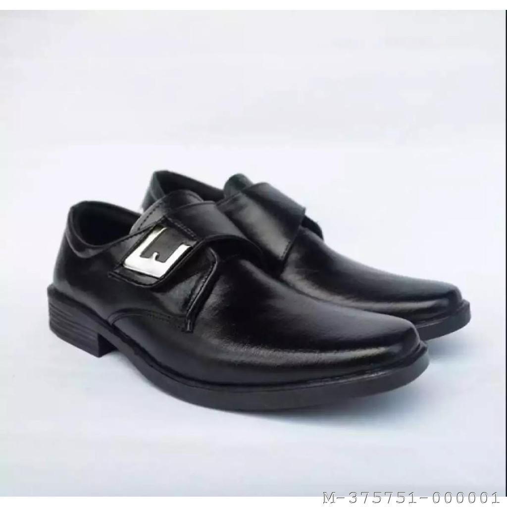 Sepatu pantofel adinova