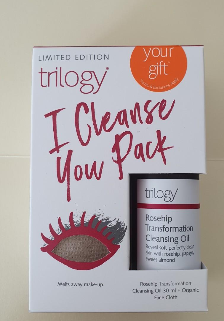 Trilogy Rosehip Transformation Cleansing Oil 30ml + Organic Face Cloth