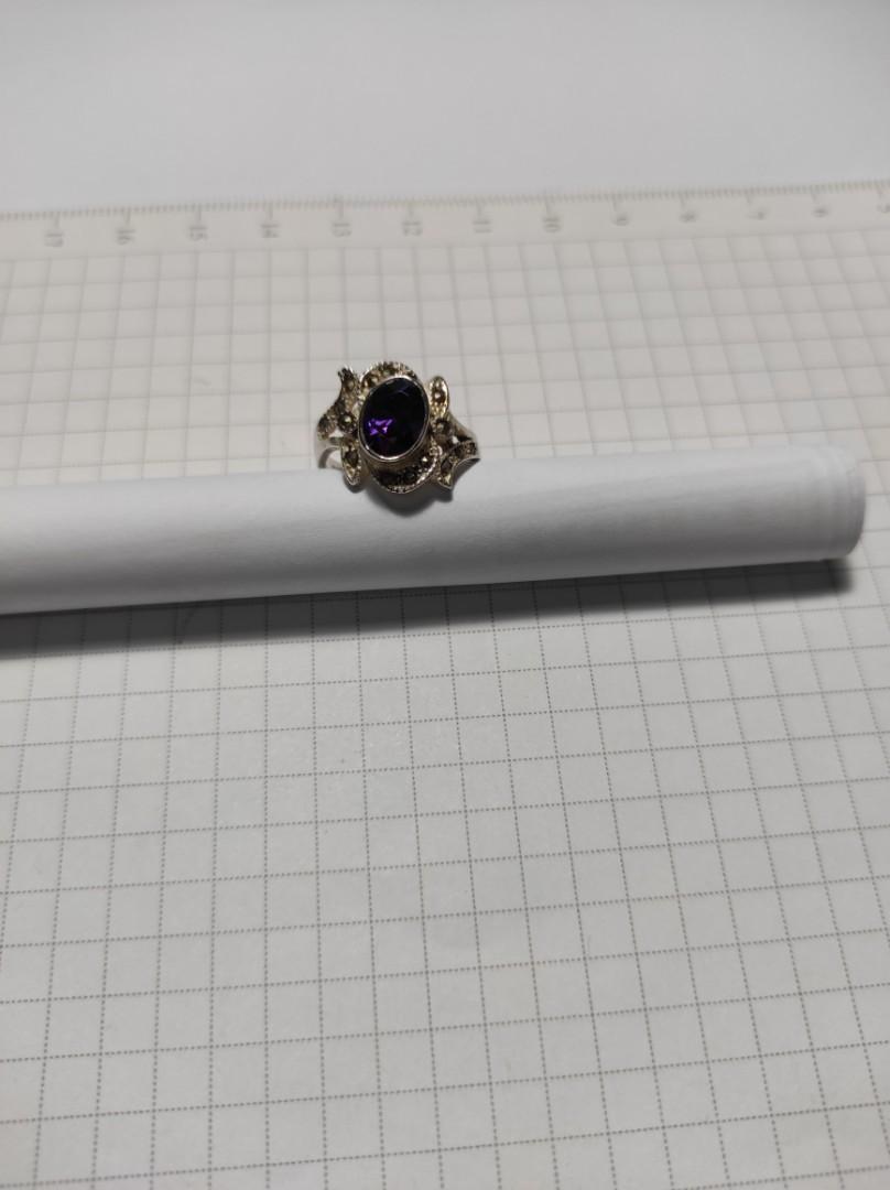 (戒圍 9.5 。10 號)925純銀戒指鑲鑽💎紫色,及小黑鑽💎