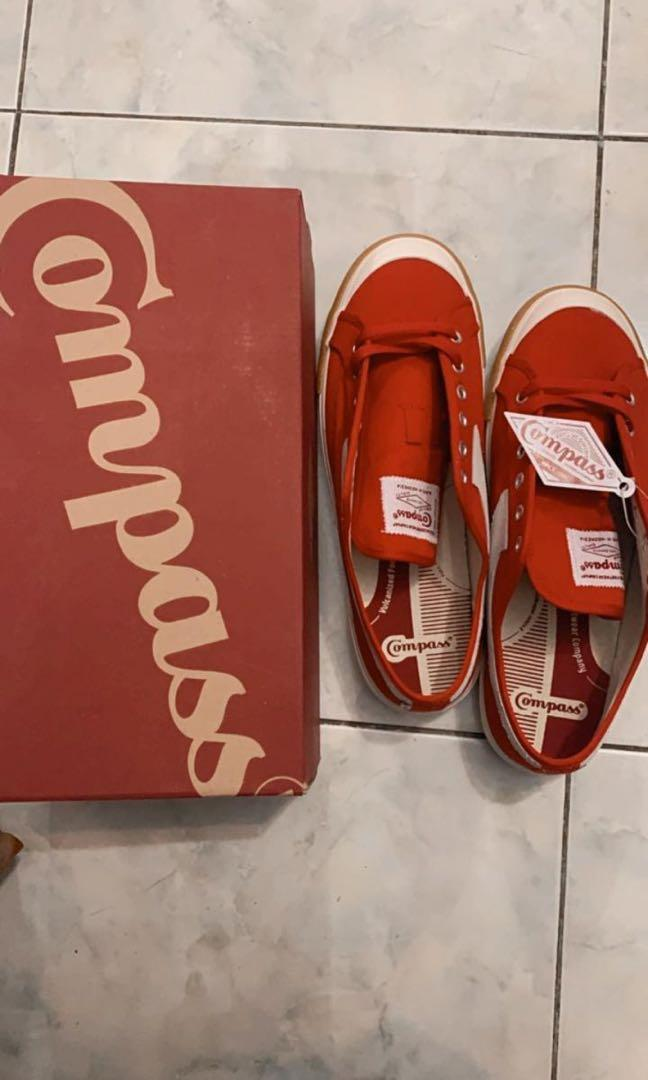 Compass gazelle low red