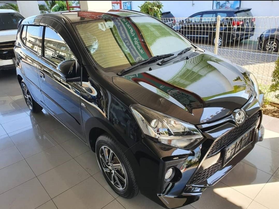 Dp Toyota Agya Warna Hitam 2021